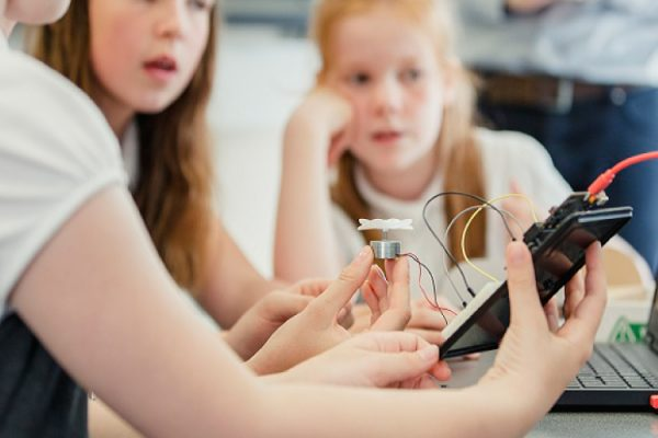 learning-to-code-girls